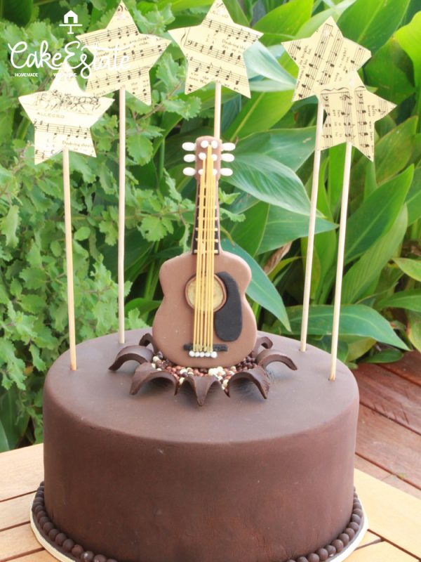 Guitar strings cake