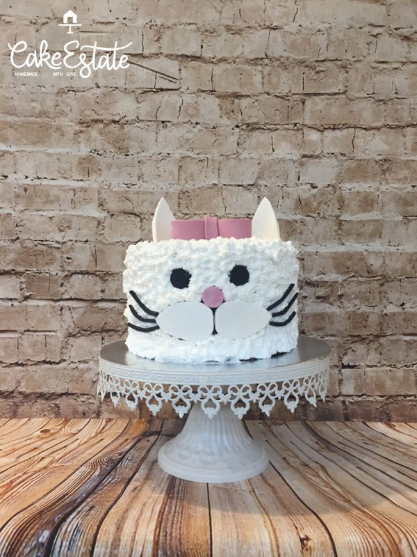Little white catty cake